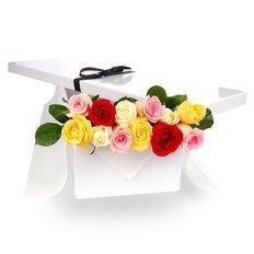 Dodici Rose Multicolore in Scatola Regalo