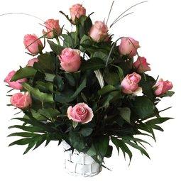 Cos cu trandafiri roz