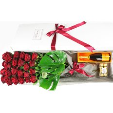 Luxury Gift Box FlorPassion | Red Roses Champagne Chocolate